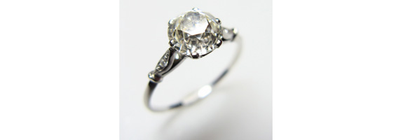 Go For A Regal Engagement with Vintage Engagement Rings